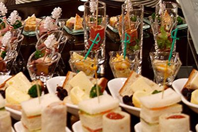 ホテル自慢の料理を出張する「ケータリングサービス」
