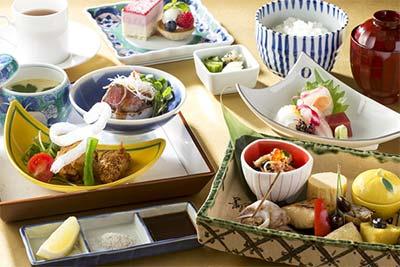 2016年1月26日(火)、日本料理雲海リニューアルオープン