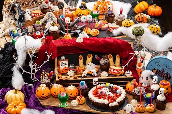 コワ可愛いおばけスイーツが食べ放題!ハロウィンパレードへようこそ。