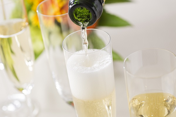 WEB限定スペシャルプライス!鉄板焼「愛宕」季節のおすすめシャンパン
