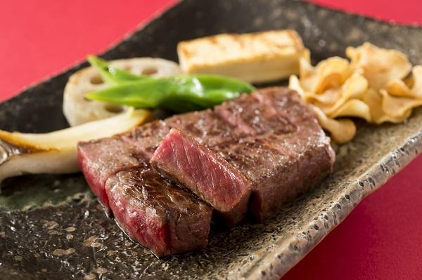 鉄板焼「愛宕」週の始まりはお肉を食べてスタミナUP!