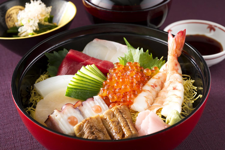 雲海特製海鮮丼
